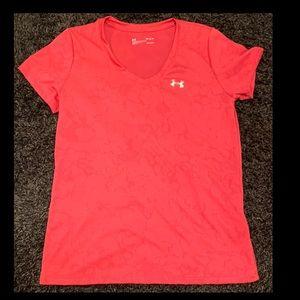 "Women's Under Armour ""loose fit"" Shirt Size Medium"